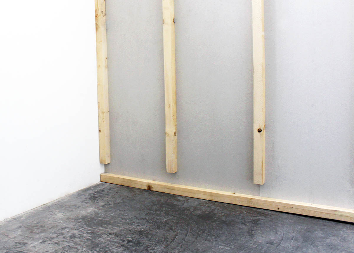 Installing wall heating - substructure for the drywall elements